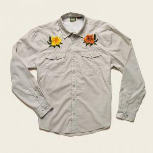 Howler Bros Gaucho Snapshirt – Desert Tan Hibiscus
